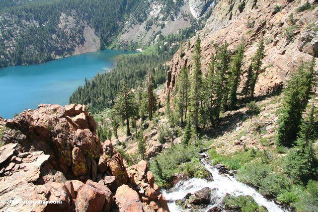 Учитывая зеленым озером с запада озеро на высшем уровне