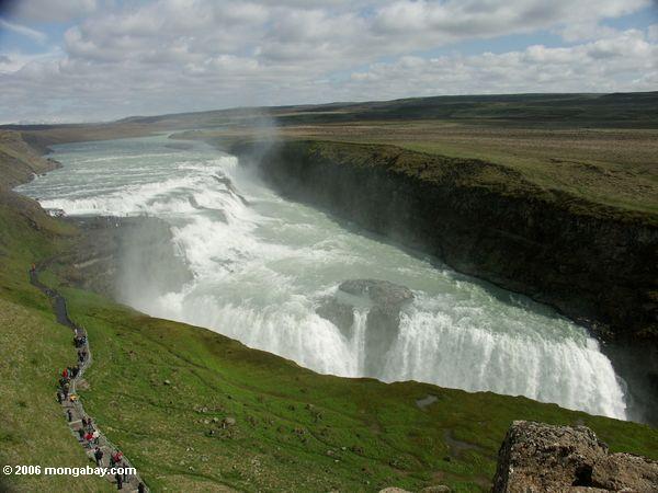 """Gullfoss oder """"goldener Wasserfall"""""""