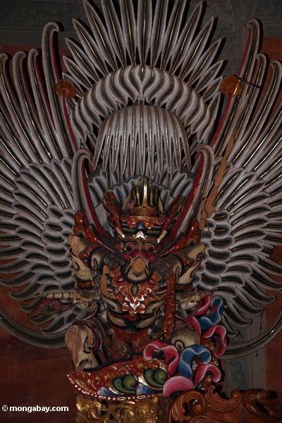Statue Puri Saren Agung am Palast
