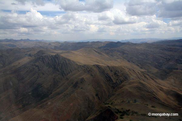 геологических формациях в горах Анды в Перу