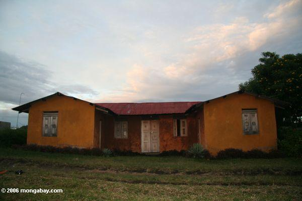 Orange Haus in der Uganda