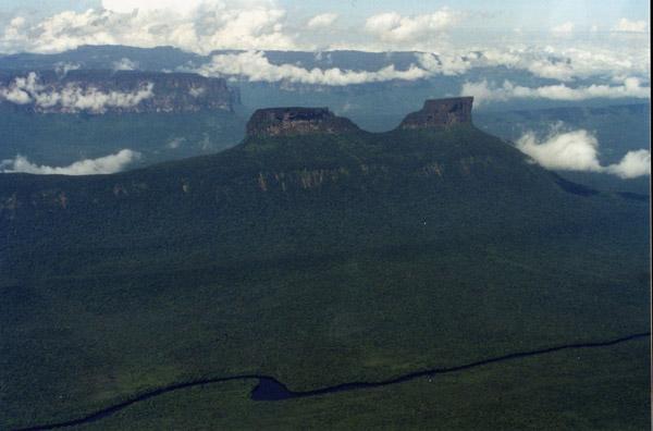 Luftaufnahme von Wei tepui
