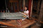 Weaver in Rantepao (Toraja Land (Torajaland), Sulawesi)