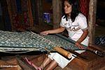 Silk weaver in Rantepao (Toraja Land (Torajaland), Sulawesi)