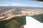 Operaciones mineras en la mina de oro Río Huaypetue gold mine