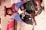 Woman weaving in the Chinchero market